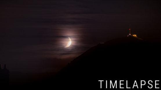 Coucher de lune derrière le Puy de Dôme